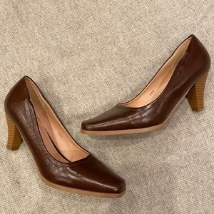 Journeys Collection Brown Square Toe Pump